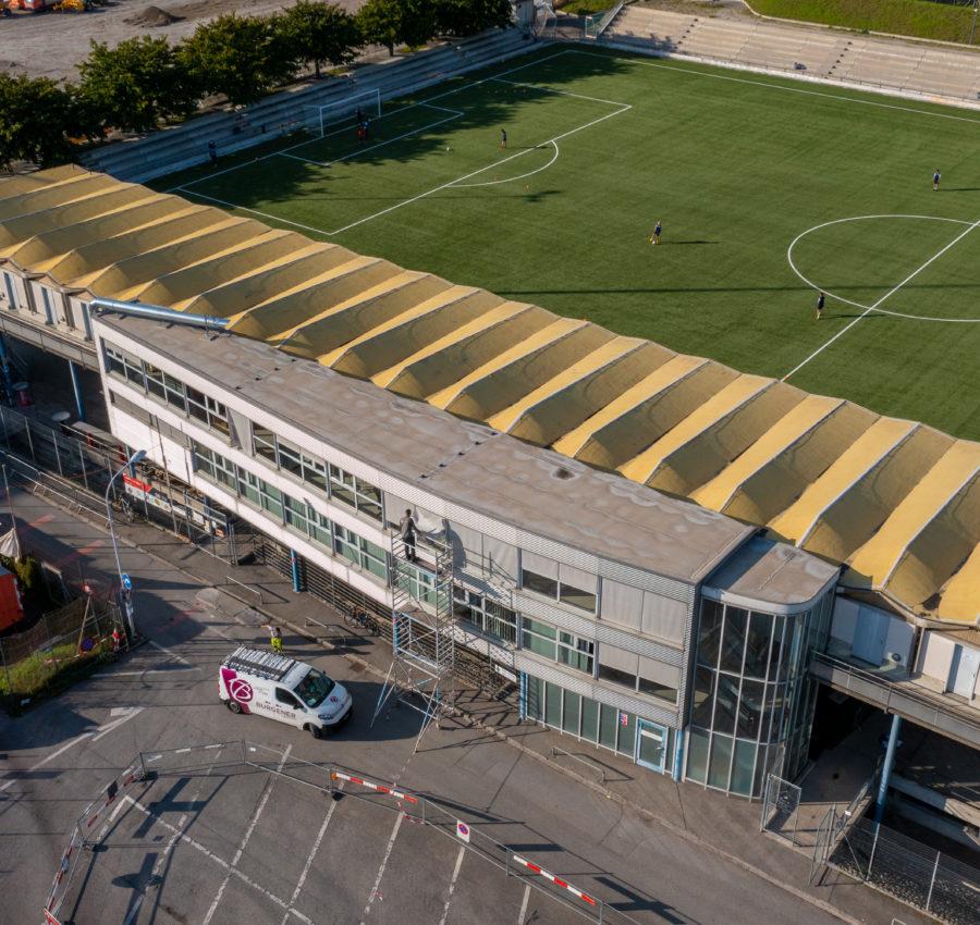 Installation de stores par Storio au stade