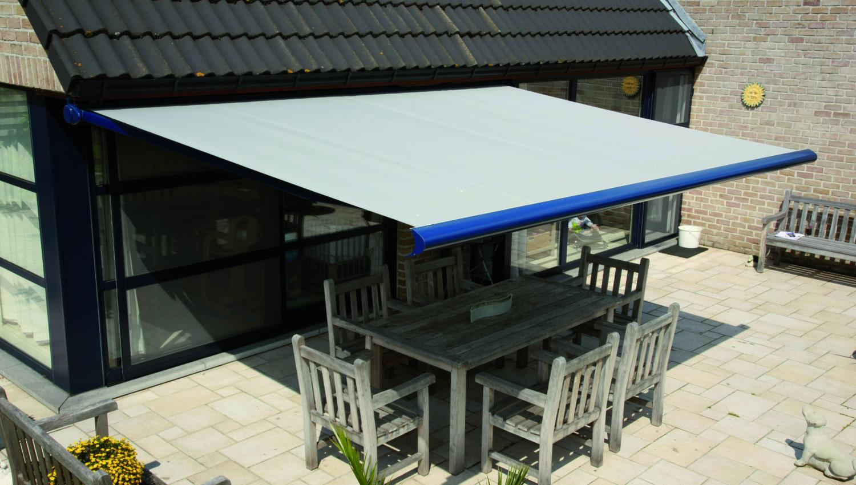 Store extérieur Camargue coffre design