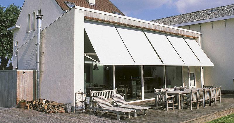Stores extérieurs pour fenêtres