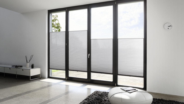 Stores plissés pour fenêtres